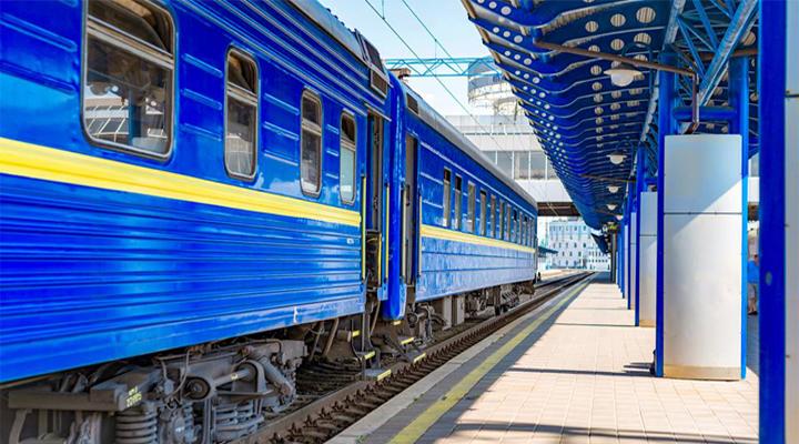 в Україні в два рази знизили ціни на залізничні квитки