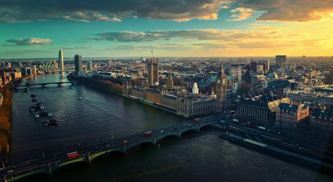 Из-за неразорвавшейся бомбы Второй мировой войны эвакуирована часть лондонского района