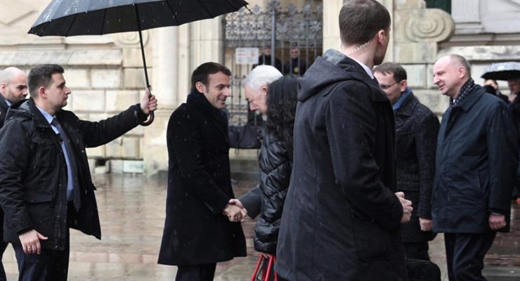 Макрон призвал Польшу уважать европейские ценности