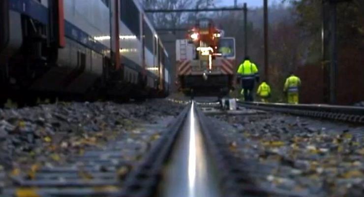 2 погибших и не менее 30 получили ранения в результате крушения поезда под Миланом