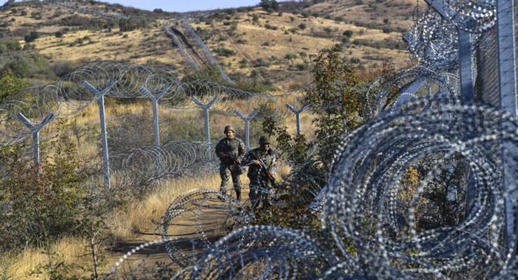 Греция наняла еще 800 пограничников для борьбы с беженцами