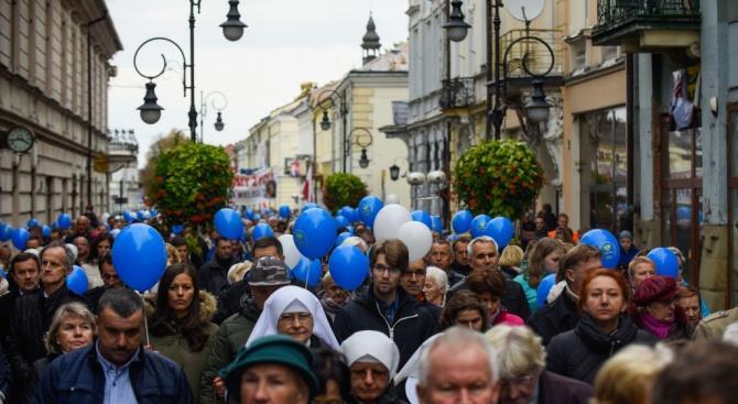 Тысячи в Варшаве выступили в поддержку судебной реформы