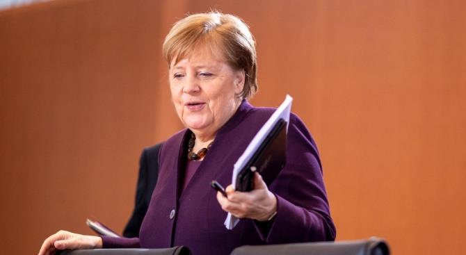 Меркель пообещала помощь Судану