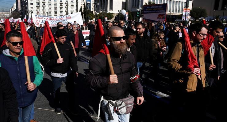Предложение о пенсионной реформе в Греции вызвало 24-часовую забастовку