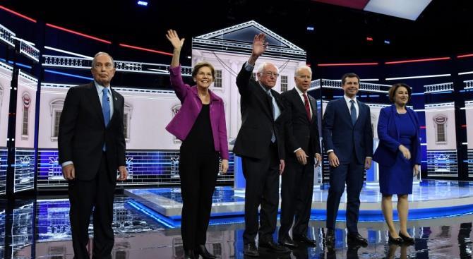 Майкл Блумберг был яростно атакован соперниками-демократами