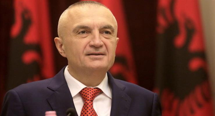 Президент Албании призывает людей свергнуть правительство