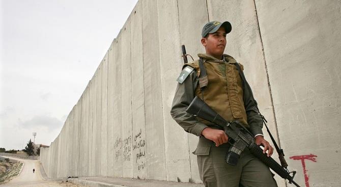 Египет возводит бетонную стену вдоль границы с сектором Газа