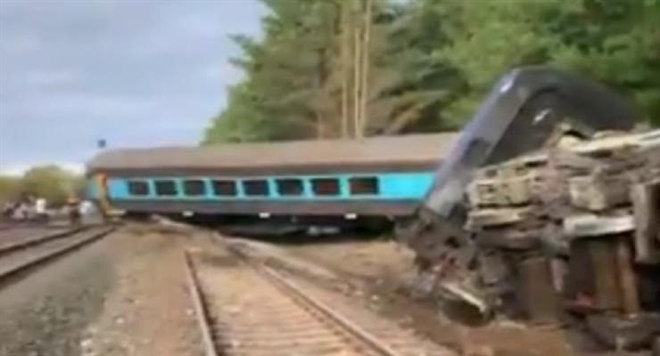 Два человека погибли в результате крушения поезда в Австралии