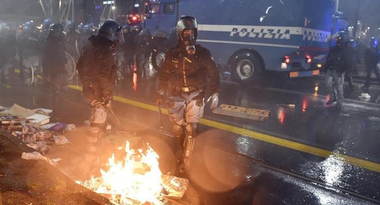Десятки ранены после столкновений с футбольными фанатами в Италии