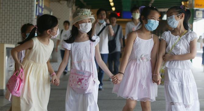в Гонконзі продовжили карантин у школах до 20 квітня