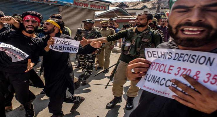 Десятки людей погибли в Нью-Дели, сражаясь с полицией за новый закон о гражданстве