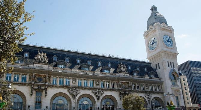 Пожар возле парижского вокзала Лиона привел к необходимости эвакуировать пассажиров