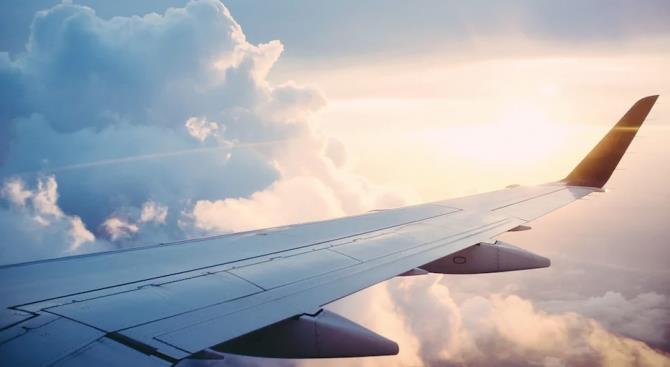 Пассажирский самолет Москва-София возвращается в аэропорт Шереметьево