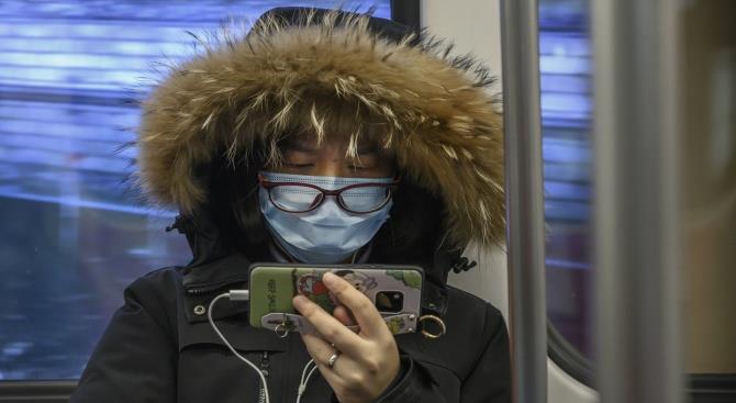 Копы шантажировали китайцев в Париже за ношение масок