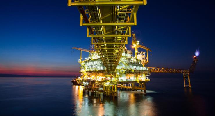 На азиатских рынках нефть подешевела на 31%