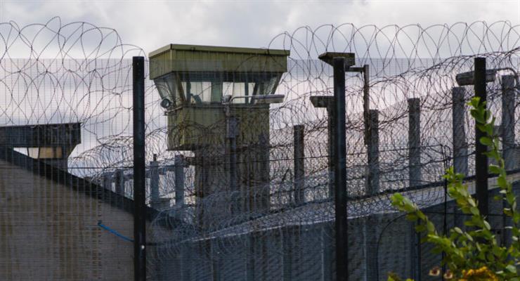 Беспорядки в тюрьмах Италии из-за новых мер по борьбе с коронавирусом
