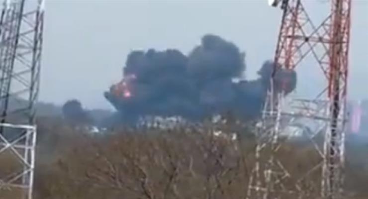 Пакистанский F-16 врезался в парк в столице страны Исламабаде