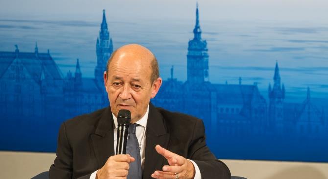 Тюремное заключение для двух мошенников, выдававших себя за французского министра