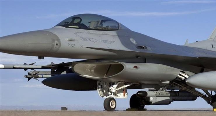 F-16 разбился в Исламабаде во время репетиции военного парада