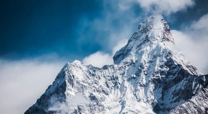 Из-за коронавируса Непал отменил все экспедиции на Эверест