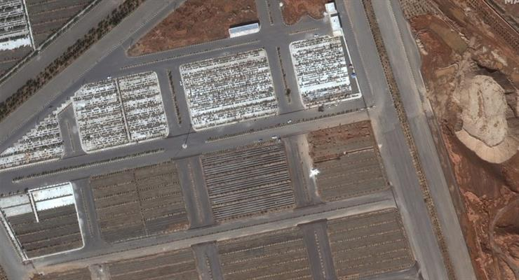 Спутниковые снимки показывают массовые захоронения в Иране на фоне коронавируса