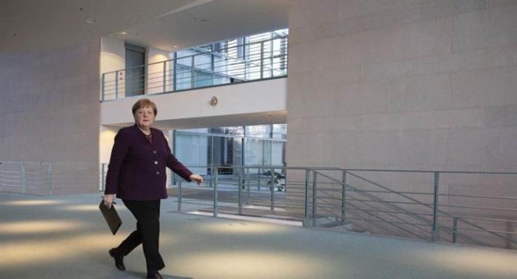 Меркель вкладывает деньги в экономику