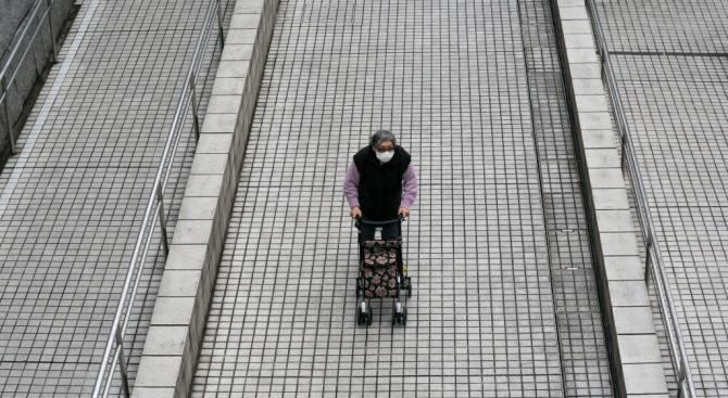 Супермаркеты в Австралии допускают людей пожилого возраста всего на один час