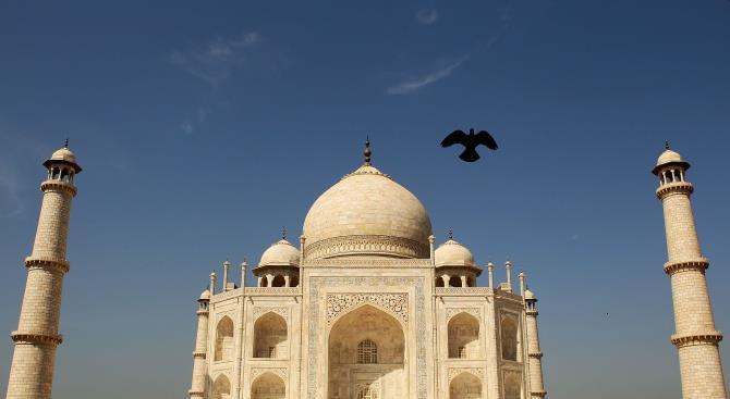 Индия закрывает Тадж-Махал