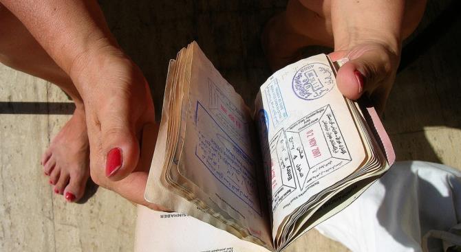 Соединенные Штаты прекратили выдачу виз большинству стран мира