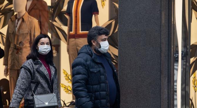 Чешское правительство приказало гражданам носить маски на публике