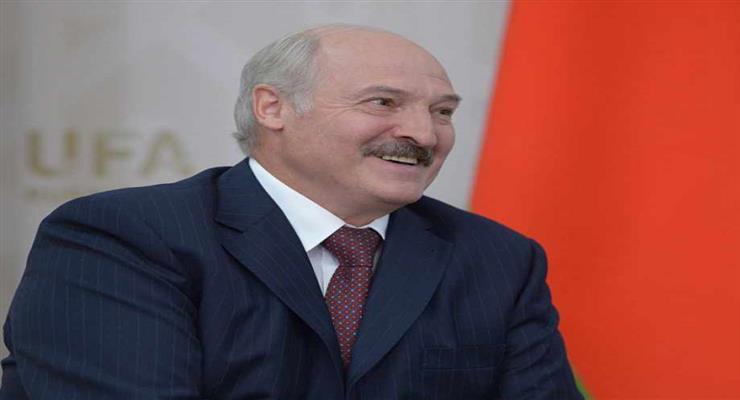 """Беларусь критикует """"психоз"""" вокруг коронавируса, футбольный сезон возобновлен"""