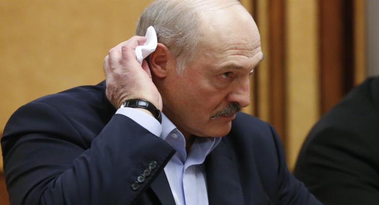 «Психоз»: Лукашенко осуждает мировые меры против коронавируса
