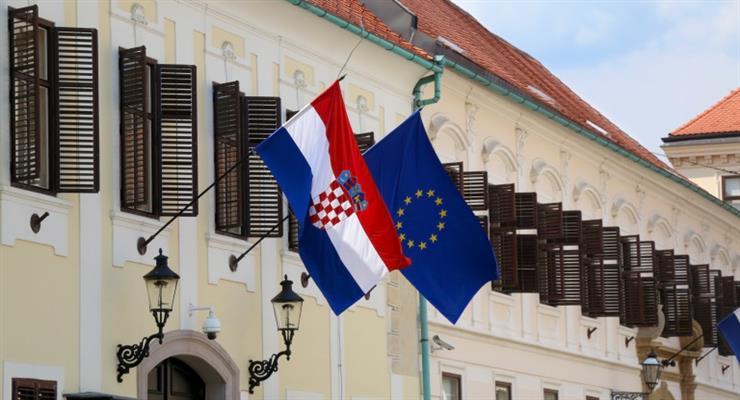 Хорватия также ограничивает транзит через страну на месяц