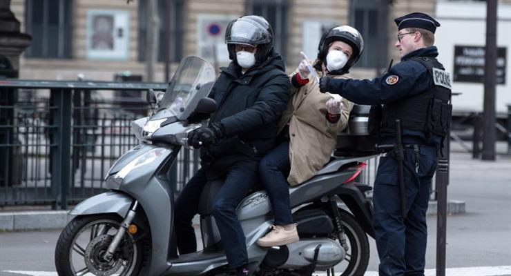 Франция заказала 250 миллионов масок, борясь с нехваткой