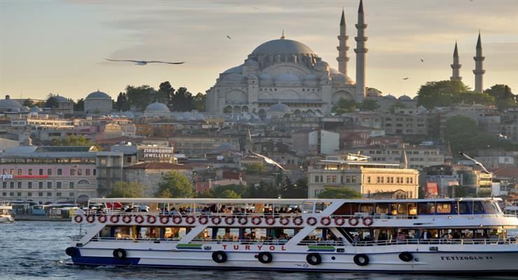 Турция прекратила полеты в другие страны, объявив все больницы пандемическими