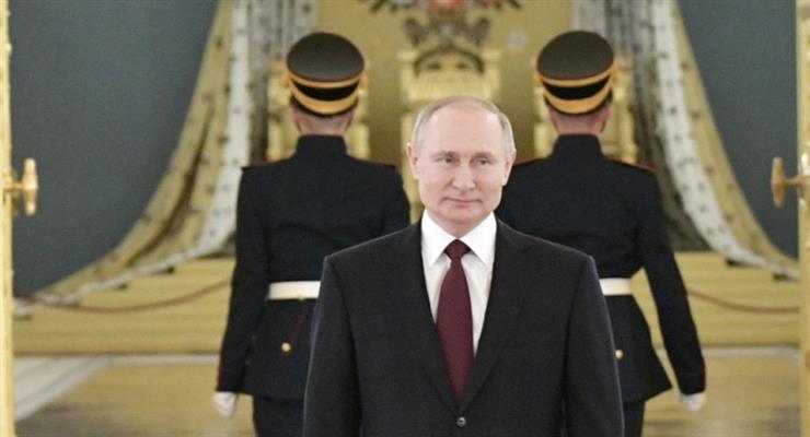 Путин не будет прятаться от COVID-19