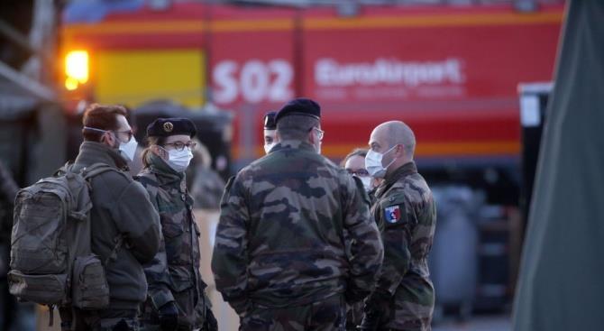 Франция находится в чрезвычайном положении из-за коронавируса