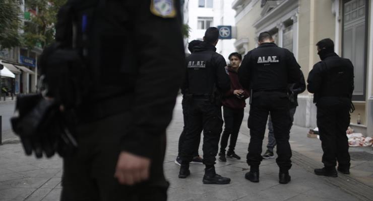 Греция производит антисептики из конфискованного алкоголя