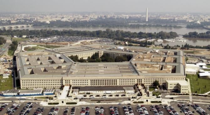 Пентагон заморозил запланированные передвижения американских войск по всему миру