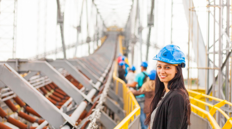 уряд канадської провінції Квебек хоче залучити жінок в промисловий сектор