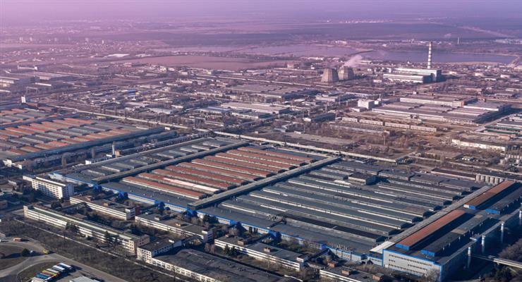 деякі фабрики відновлять виробництво після Пасхи