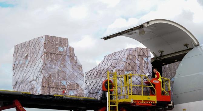 Ан-225 «Мрия» доставил в Варшаву с медикаменты из Китая