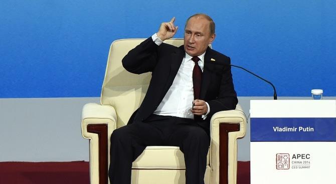 Путін зажадав відремонтувати дороги в найкоротші терміни