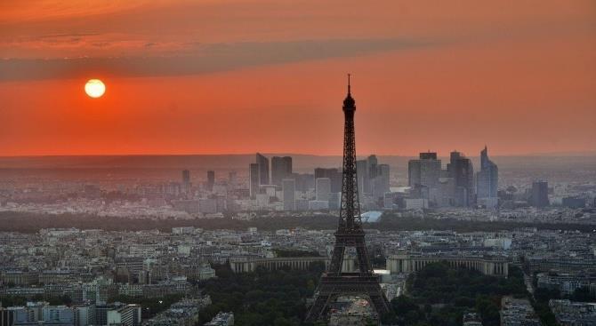 Франция сообщает о первых робких признаках борьбы с эпидемией COVID-19
