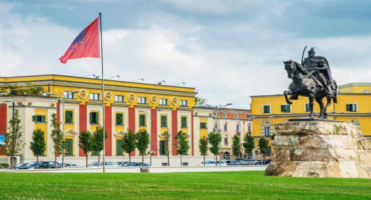 Часть предприятий Албании завтра начнет работать