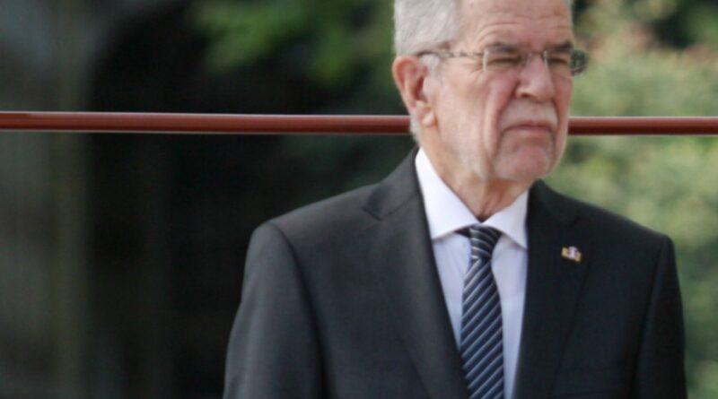 президент Австрії порушив обмежувальні заходи