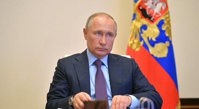 рейтинг Путіна впав до рекордної позначки