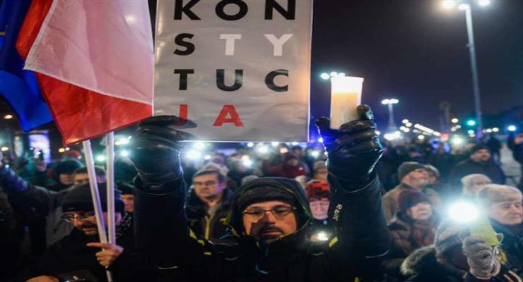 поліція у Варшаві затримала десятки учасників протесту