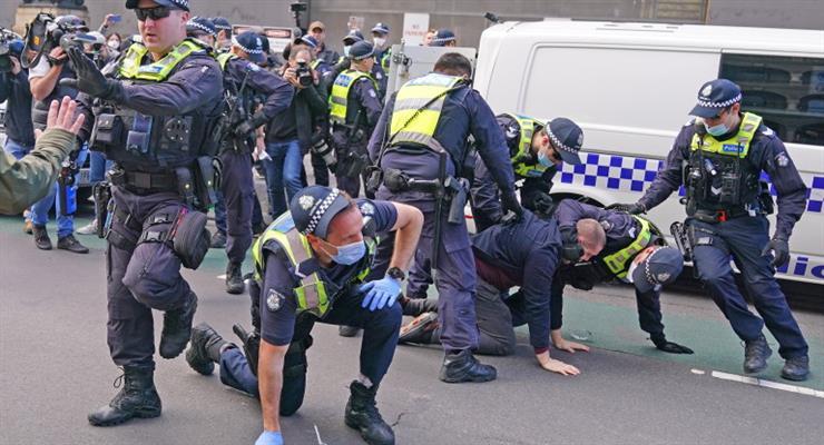 правительство Австралии за расширение полномочий полиции и спецслужб
