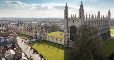 Кембридж вибирає дистанційне навчання